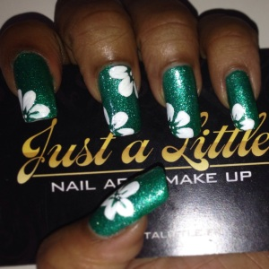 glitter green and white flowers